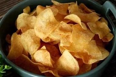 教你在家做薯片,一个土豆就搞定,比买的还好吃!