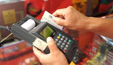 老公信用卡10几块没还入了黑名单!按揭买房也买不到