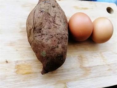 1个红薯加二个鸡蛋,比油条还好吃,酥脆香甜,早餐再也不愁了!