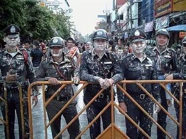 泰国泼水节期间,已有348人丧生!死因令人意想不到…