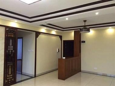 北京同事的新房实在阔气,中式风格很典雅,木工手艺不禁让人叫好