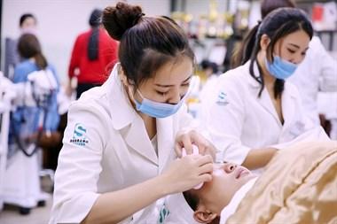 职场白领如何进军美业?韩绮绣告诉你如何选择专业的皮肤管理