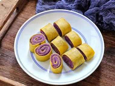 紫薯还可以包裹在蛋卷里吃,简单易学,好看又好吃