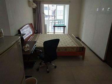 创世纪二期 单身公寓 带阳台 配套齐全 月租800元
