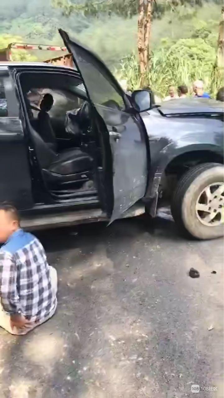 南平某景区突发车祸!车头撞成碎渣,一人当场死亡