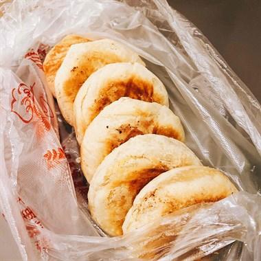 街头偶遇板栗饼,一口香脆唤醒你儿时的记忆