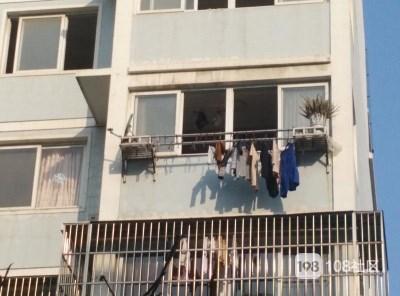 三元路小女孩疑4楼坠落续:于今晨6点半抢救无效…