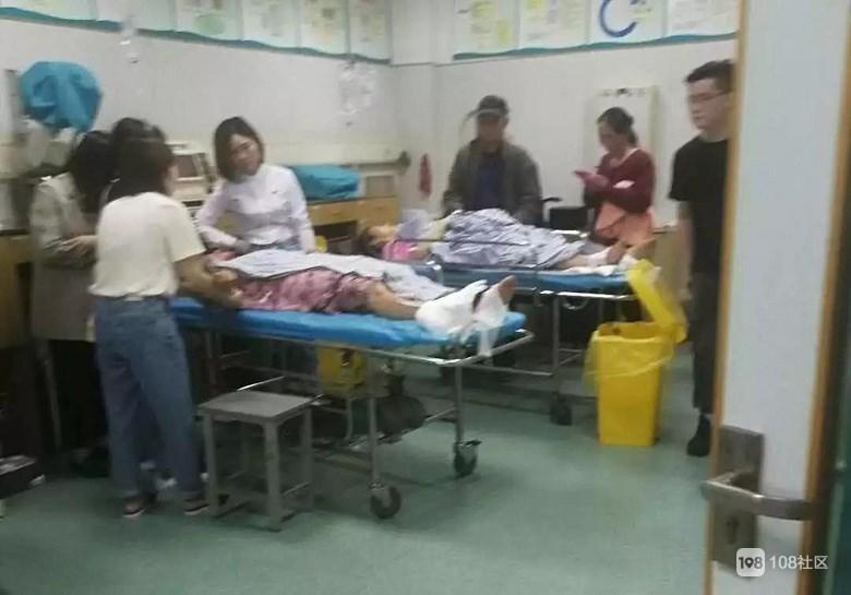 安吉某景区观光车事故续:15人受伤!30岁导游不幸身亡