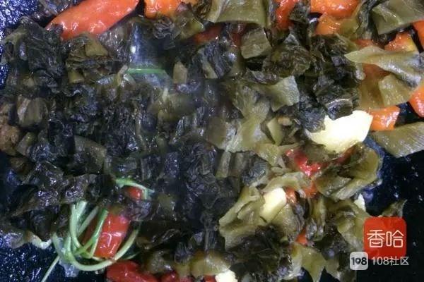 这菜是我家的招牌菜,好吃便宜,补钙还营养,每次吃的连渣都不剩