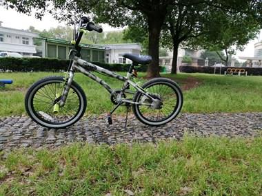 【转卖】童车儿童男该18寸自行车