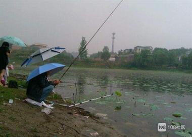 天台钓鱼人被冲走血的教训:这些事千万注意 关键可救命
