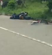 黄泽高速口惨烈车祸!摩托车上1人当场死亡,另1人…