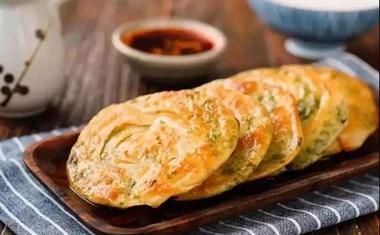不用和面,就能做的葱油饼,越吃越香!