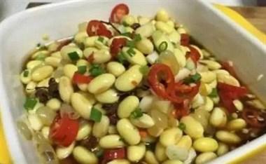 辣椒配黄豆,不用炒不放油,夏天吃开胃又下饭,一次做5斤不够吃