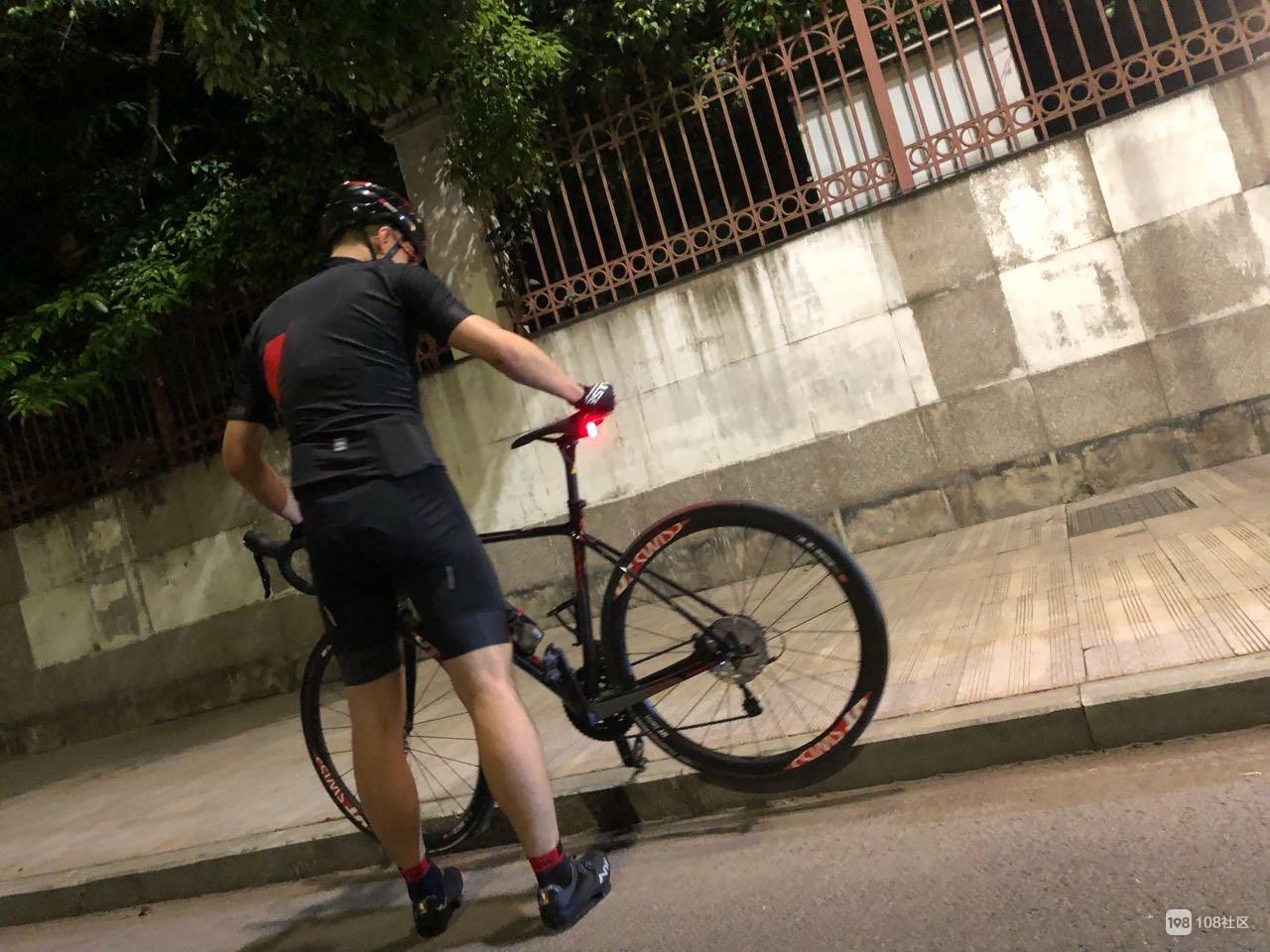 阳光路一群运动型男破风奔驰,一趟骑行50km往返新嵊