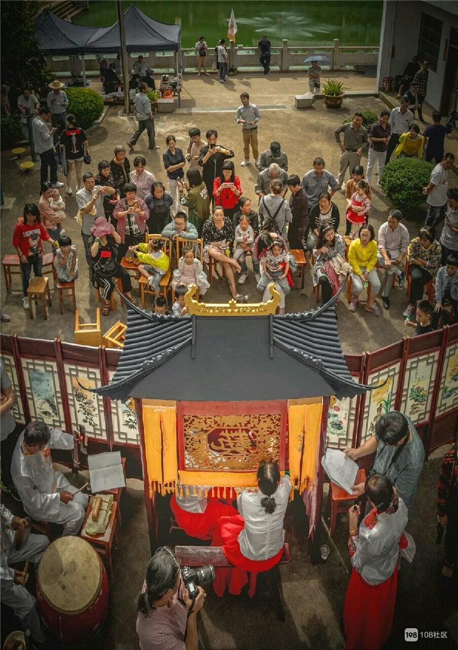 全新昌最热闹的地方是这!300人齐表演,现场人挤爆