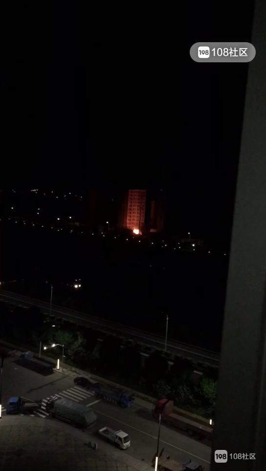 新昌某小区火光冲天,警察消防赶到!都是这个惹的祸