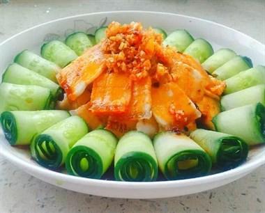 天热做一盘凉拌菜,荤素都有,好吃还好做,关键不煎不炸营养健康