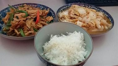 美食日记第八篇:准备了两个人的午饭,结果一个人吃