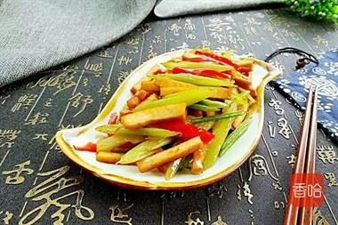 芹菜和它一起炒,营养开胃,特别适合夏天吃