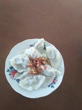芹菜饺子+辣椒酱
