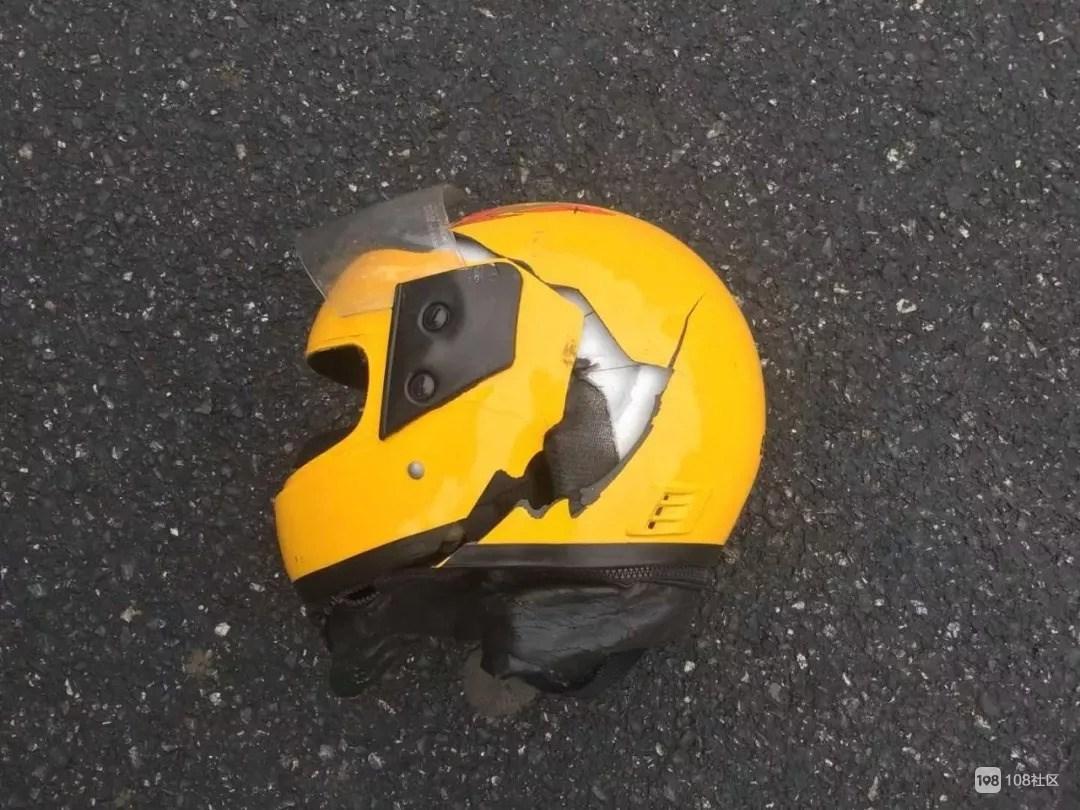 塞古!因未戴头盔,钟管一男子来不及抢救当场死亡…