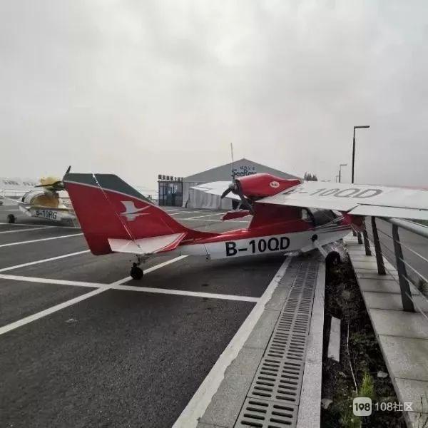 天呐!太湖边上2架飞机被个13岁孩子偷开,彻底出名了