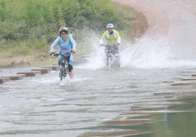 景德镇也有水上公路啦!社友骑行到这儿 玩水看荷花两不误!