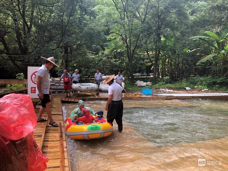 桐庐旅游景点:杭州最凉快的地方,来垂云通天河,逛溶洞加漂