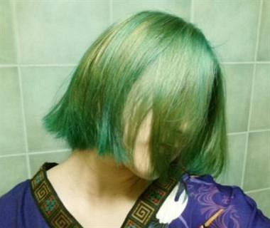 对女友千依百顺,她却发朋友圈说要当渣女还染了绿发...