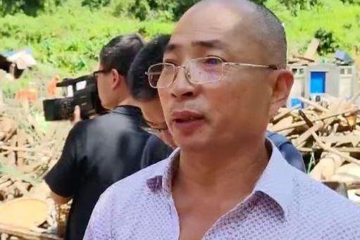 山洪爆发温州村干部救出邻居一家六口,自己母亲却...