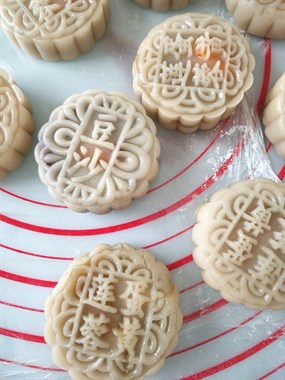 海宁巧手厨娘自制广式月饼,比外面卖的更让人有食欲!