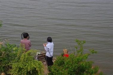 对河口2男子钓鱼中被抓!还有很多人在这样做,赶紧停手