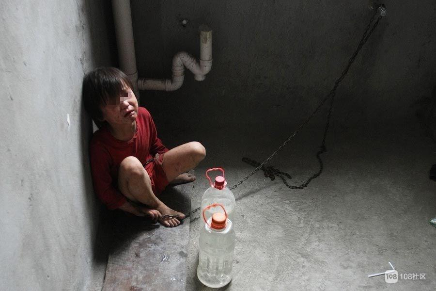 幼时被关在洗衣机,家长蒙鼓里,德清20岁小伙落下怕黑创伤