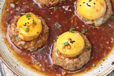 整个鸡蛋塞进肉馅里,不炸不蒸,铁定好吃!