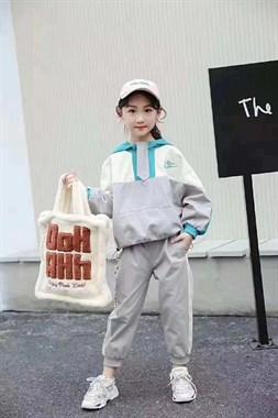 童装套装120-150尺码