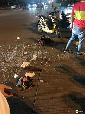 随古!外卖小哥被货车撞,满头是血玻璃碎一地