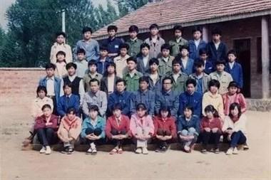我们小时候,开学是这样的!差点看哭了.....