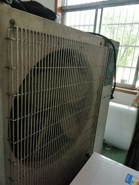 【转卖】二手空调等,有吸顶机,柜机,挂机