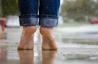 养生先养脚,秋冬季这么泡脚,逼出体内湿寒一身清!