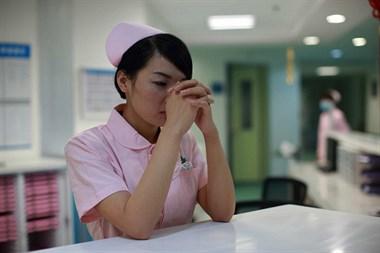 憋屈!为什么要选择做护士,我真的后悔了