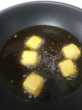 松厦臭豆腐不敢买,只好自已做着吃