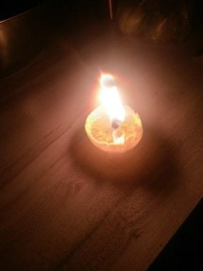 整幢楼突然停电,我急中生智并帮邻居巧做小橘灯!