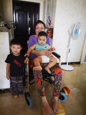19年前车祸父亲走了母亲瘫了,如今这户德清家庭却变成…