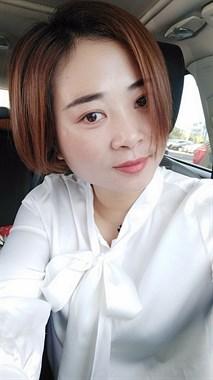 【求职】本人女32,想找别人想找一份嘉兴的工作,学化妆也的工作