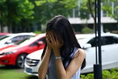 哭了好几年!经常听到隔壁有女孩在哭泣,起因竟是…