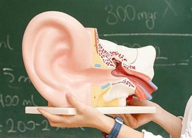 神经性耳聋患者生活不易,积极治疗找对方法!