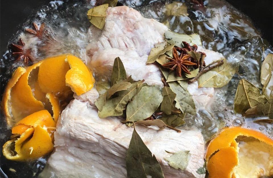 橘子皮煮二师兄,史上最贵猪肉的味道!馋哭你