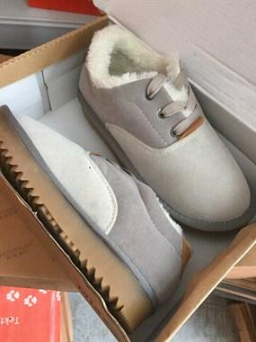 【转卖】大量出售衣服鞋子各类服装尾货