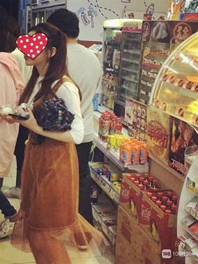 超市对这女孩一见钟情,但没敢搭话,希望她也在108